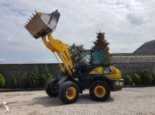 Komatsu WA100M6 WHEEL LOADER + 3 x accessories