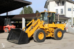 Caterpillar IT24F loader