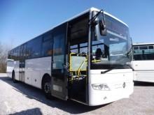 училищен автобус Mercedes