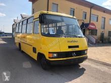 autocarro Mercedes 711 d