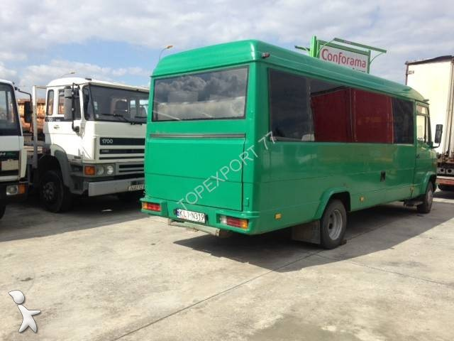 autokar mercedes turystyczny sprinter mini bus 6 roues mercedes vario 709d 21 places u ywany. Black Bedroom Furniture Sets. Home Design Ideas