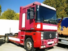 trattore Renault AE 520
