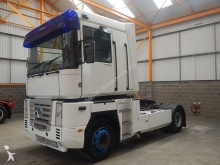 Renault MAGNUM 440, 4 X 2 TRACTOR UNIT - 2003 - YX03 CGY tractor unit