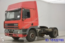 tracteur DAF CF85.400