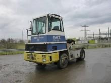 cabeza tractora Volvo DOUGLAS NS8/ 220 LFW 4X4
