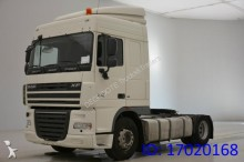 DAF XF105.410 Spacecab tractor unit