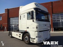 trattore DAF XF 105-460 super space cab