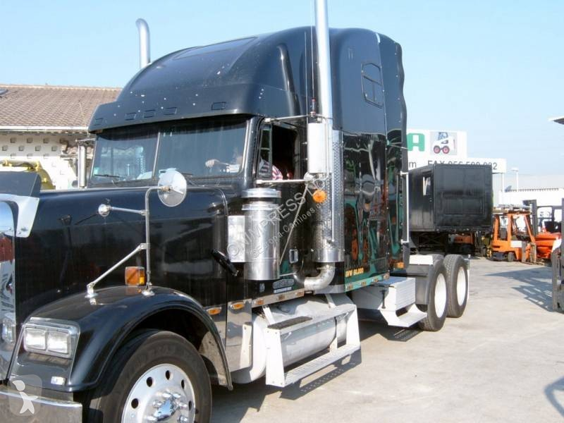 View images Freightliner tractor unit