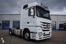 Mercedes Actros 1844 Megaspace Euro 5 2011 2x in stock tractor unit
