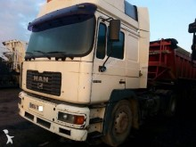 trattore MAN 19 464