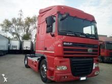 cabeza tractora DAF XF105 460