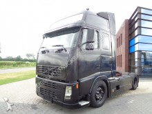 Volvo FH12.420 Globetrotter / 2 Tanks tractor unit