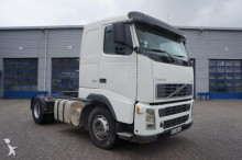 Volvo FH12-420 Manual Hydraulics Low Kilometers 2005 tractor unit