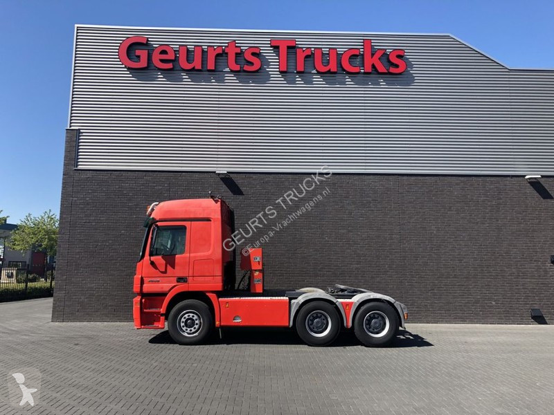 Voir les photos Tracteur Mercedes 2650 TRACTOR