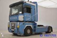 Renault Magnum 460 tractor unit