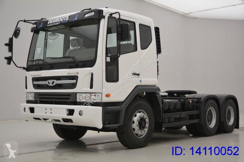 Tracteur Daewoo V3TVF
