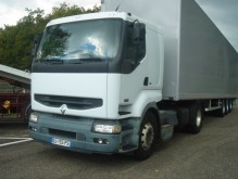 Renault low bed tractor unit