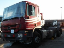 damaged exceptional transport tractor unit