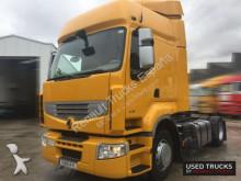 cap tractor Renault