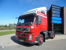 trattore Volvo FM 390