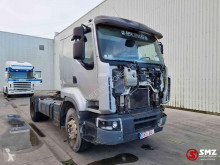 Renault Lander 450 accident tractor unit