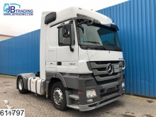trekker gevaarlijke stoffen / vervoer gevaarlijke stoffen Mercedes