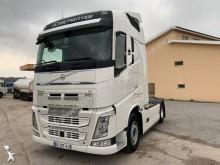 ciągnik siodłowy konwój specjalny Volvo
