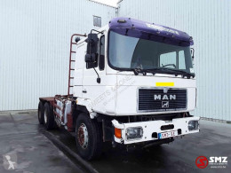 MAN 33.463 V 10 + crane V 10 works perfect tractor unit