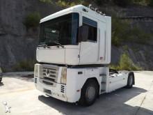 Renault Magnum 440 tractor unit