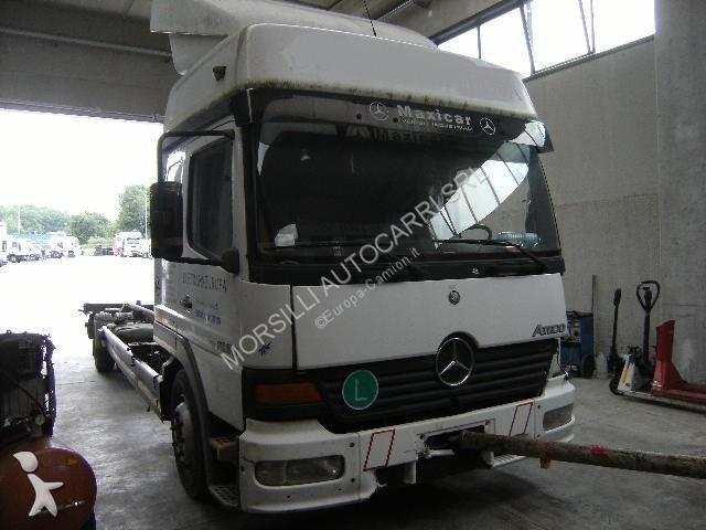 Vedere le foto Trattore Mercedes 1223