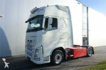 Volvo FH460 4x2 GLOBETROTTER XL LOWDECK I-SHIFT FULL A tractor unit