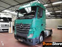 tahač Mercedes