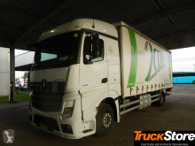 trattore Mercedes Actros 1833