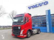 ciągnik siodłowy produkty niebezpieczne / adr Volvo
