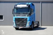 тягач Volvo