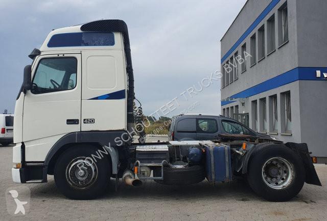 Voir les photos Tracteur Volvo 12 420