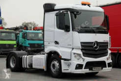 тягач Mercedes