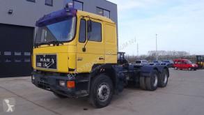 tracteur MAN 26.403 (BIG AXLES / 10 TIRES / MANUAL ZF-GEARBOX)