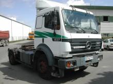 Bekijk foto's Trekker Mercedes