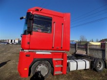used Renault Magnum low bed tractor unit 460 DXI 4x2 Diesel Euro 5 - n°1541404 - Picture 5