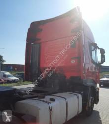 Voir les photos Tracteur Iveco 450 4x2 Klima/R-CD/eFH.