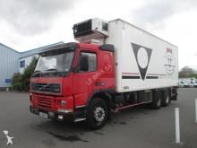 camion frigo porte viandes Volvo