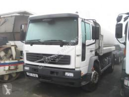 camión Volvo FL 250