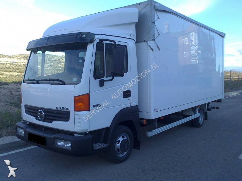 camion nissan fourgon atleon euro 4 hayon occasion n 1228370. Black Bedroom Furniture Sets. Home Design Ideas