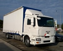 camion système bâchage coulissant MAN