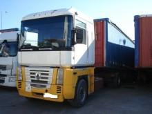 camión Renault Magnum 385