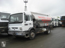 camión cisterna hidrocarburos Renault