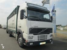 camión para ganado bovino Volvo