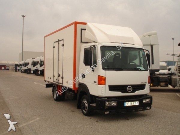 camion nissan ch ssis atleon 4x2 occasion n 1436565. Black Bedroom Furniture Sets. Home Design Ideas