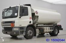 camión cisterna DAF